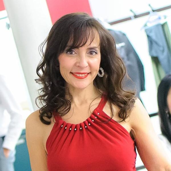 Susana Lazaro
